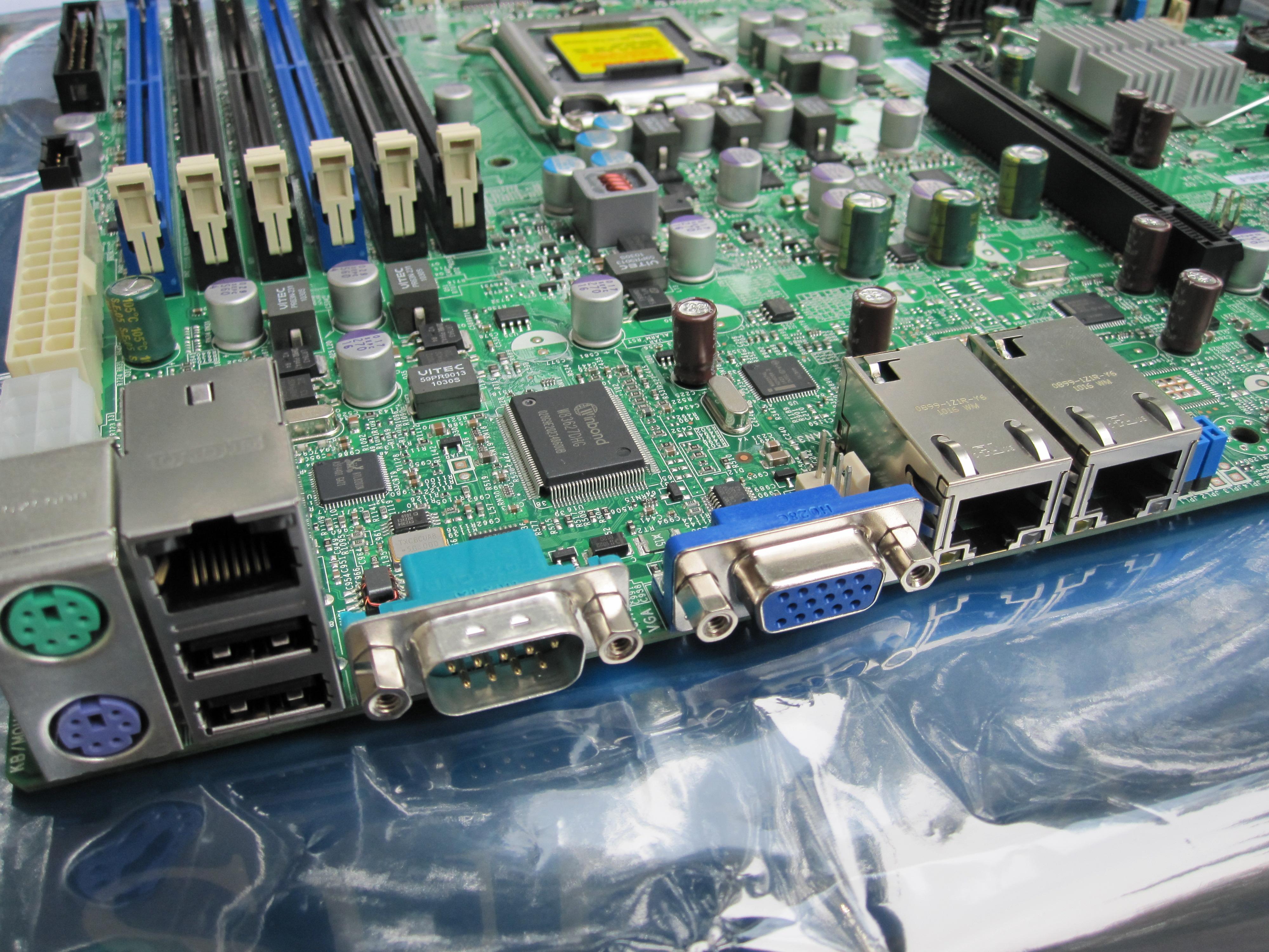 Supermicro X8SI6 F Dual Integrated Intel LAN