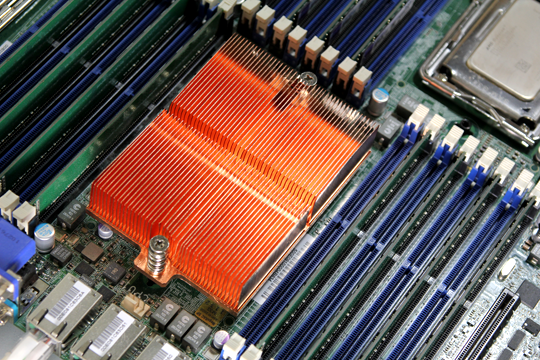 AMD Opteron with 8 DIMM slots each