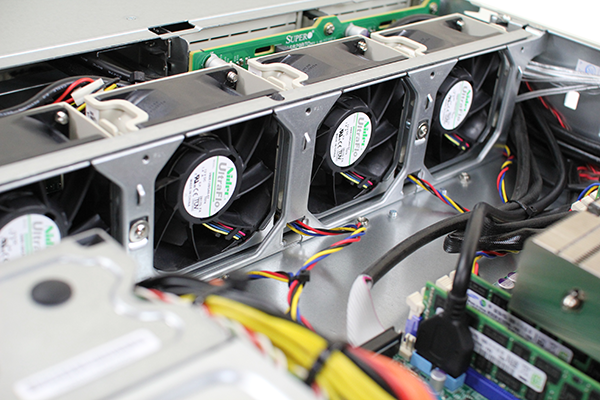 Supermicro Hyper-Speed 6027AX-TRF Center Fans