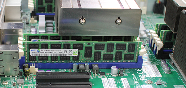 Supermicro Hyper-Speed 6027AX-TRF Internal Heatsink Memory Overhang