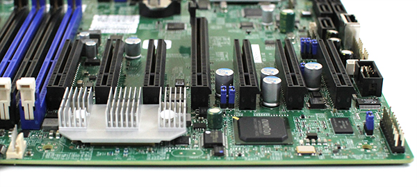 Supermicro X9DRH-7TF Intel X540 dual port 10 gbase-T controller and expansion