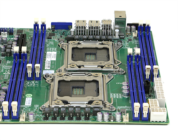 Supermicro X9DRL-EF Socket Alignment