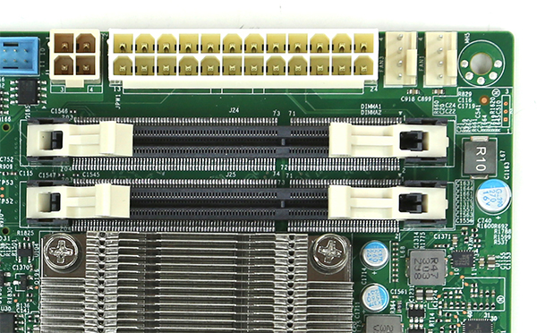 Supermicro A1SRi-2758F Power Connectors