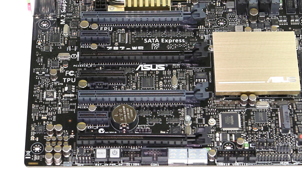ASUS Z97-WS PCIe Slots and Power and Reset Buttons