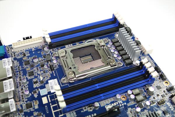 Gigabyte GA-6PXSV4 CPU Socket