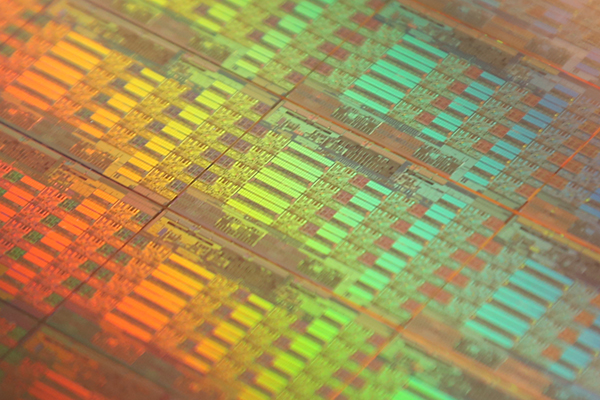 Intel Haswell-EP Die Shot 600x400