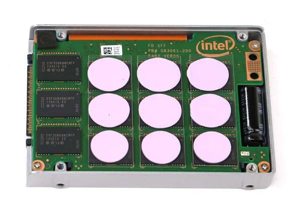 Intel DC P3700 400GB Internal View