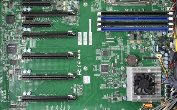 Supermicro X10DRG-Q PCIe slots