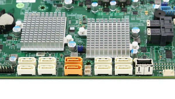 Supermicro X10DAC SATA and USB Type-A Ports