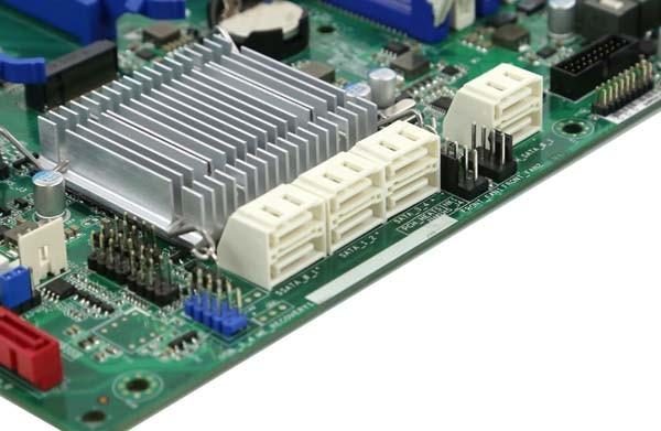 ASRock EPC612D8A-TB Main SATA Block