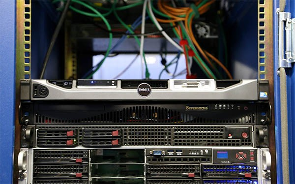 Dell PowerEdge R220 in Fremont datacenter