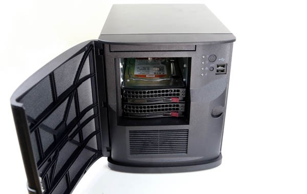 Supermicro SYS-5028D-TLN4F open with WD Red