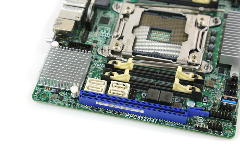 ASRock Rack EPC612D4I - PCIe SATA SODIMM