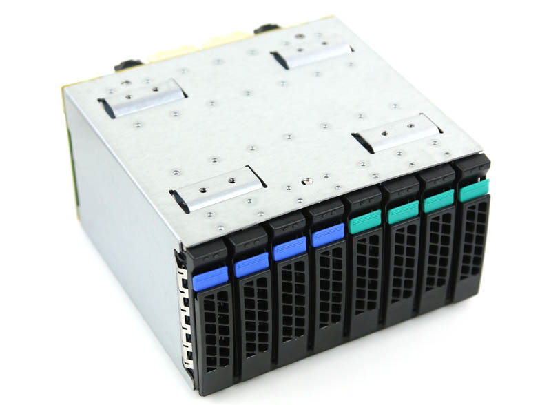 Intel A2U44X25NVMEDK hot swap cage front