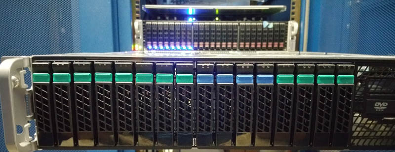 Intel A2U44X25NVMEDK installation - front