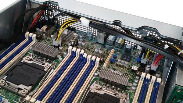 ASRock Rack 3U8G-C612 CPU-RAM IO Area