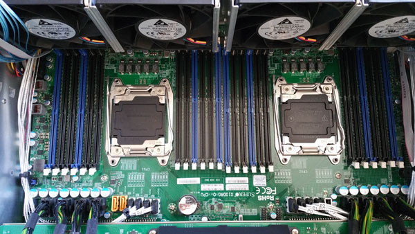 Supermicro 4028GR-TR CPU and RAM Area