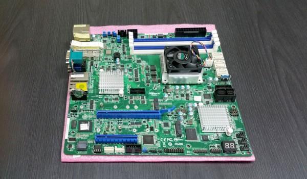 ASRock Rack D1540D4U-2TO8R PCIe slot view