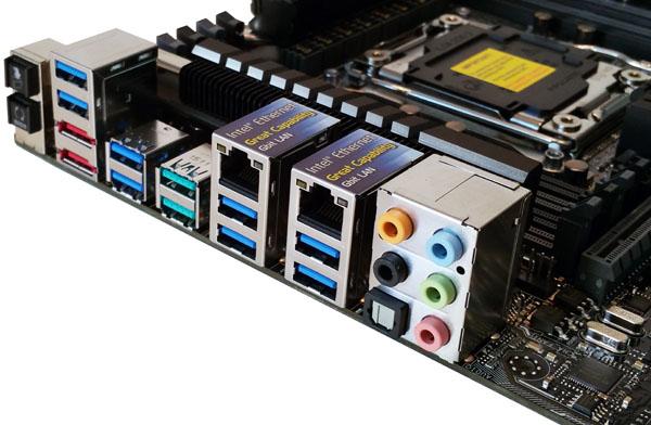 ASUS X99-E WS/USB 3.1 Back IO Ports