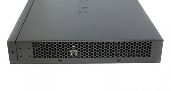 Netgear XS712T right vents