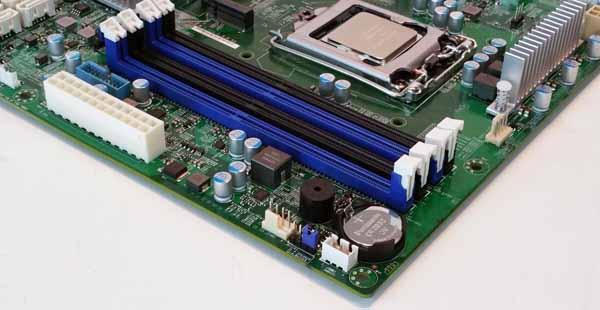 Supernicro X11SSQ-O - Memory Slots
