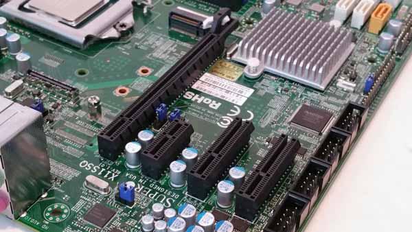 Supernicro X11SSQ-O - PCIe Slots