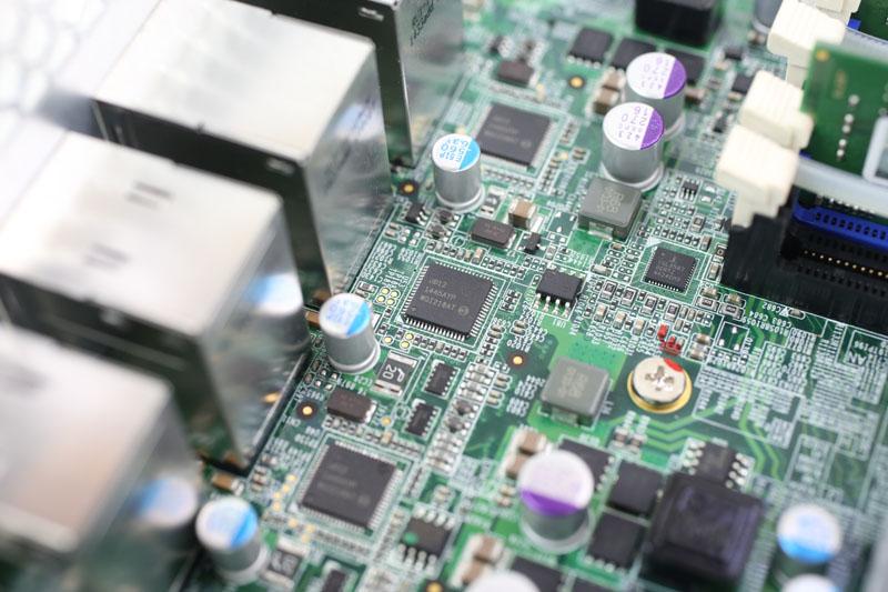QNAP TVS-EC1280U-SAS-RP - Intel i210 Ethernet