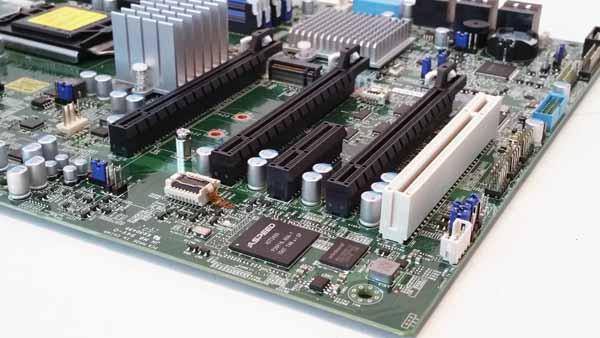 Supermicro X11SAT-F - PCIe Slots