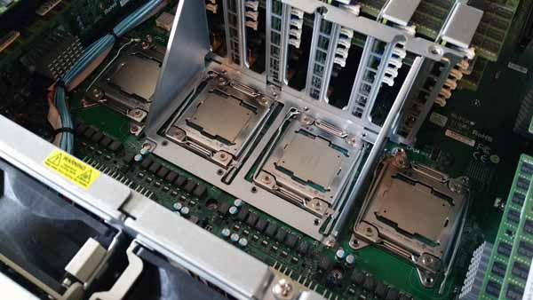 SuperServer 8048B-TR4FT - CPUs Installed