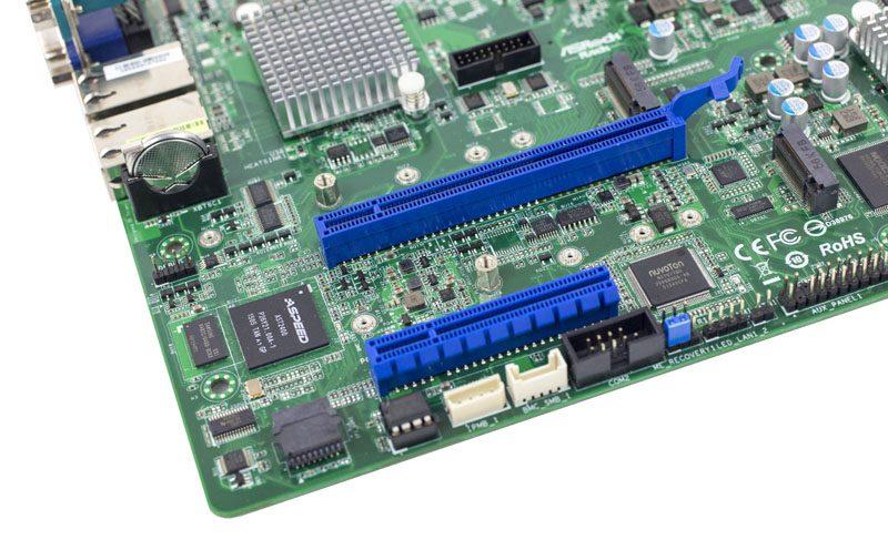 ASRock Rack D1540D4U-2T8R PCIe 3