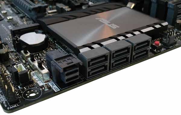 ASUS Z170 WS - Storage Ports