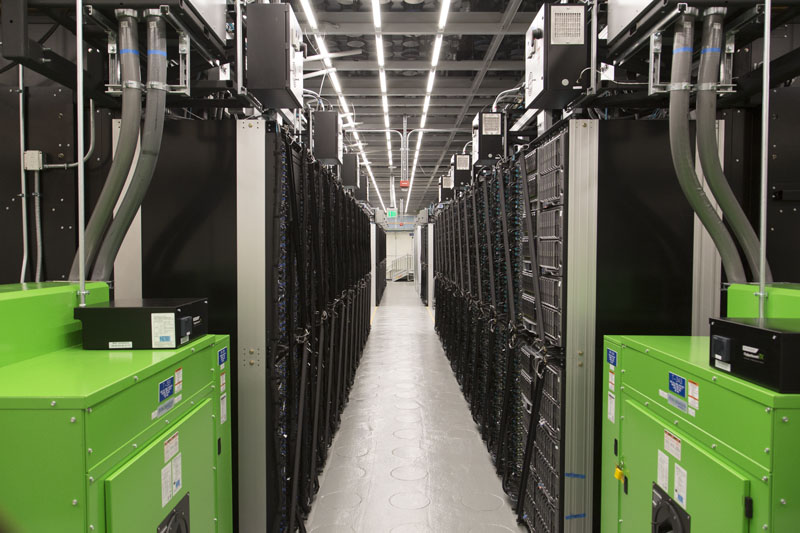 Intel Data Center New Section 1.06 PUE Cooler Aisle