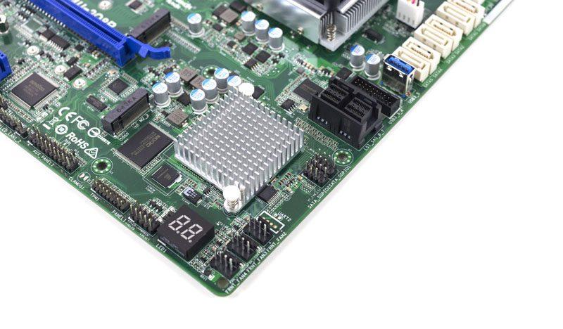 ASRock Rack D1541D4U-2O8R SAS 3008 controller