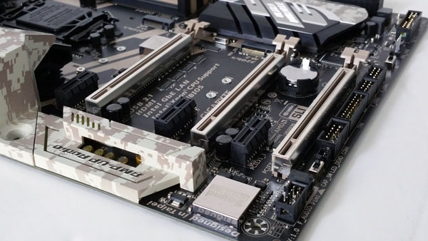 Gigabyte X170 Extreme ECC - PCIe Slots