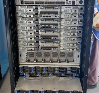 QCT QuantaMesh T7032-IX1 in QCT Rack Scale Architecture
