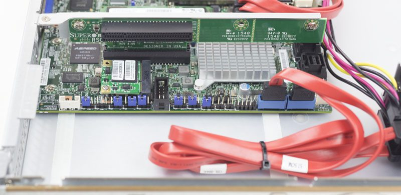 Supermicro SuperServer 1018D-FRN8T PCIe riser