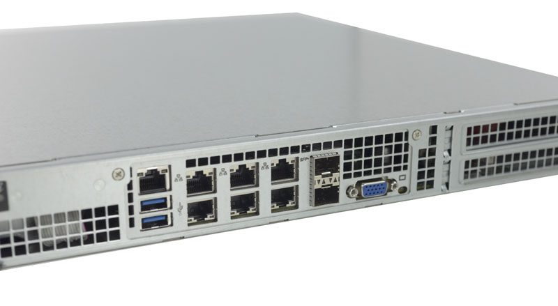 Supermicro SuperServer 1018D-FRN8T Rear IO