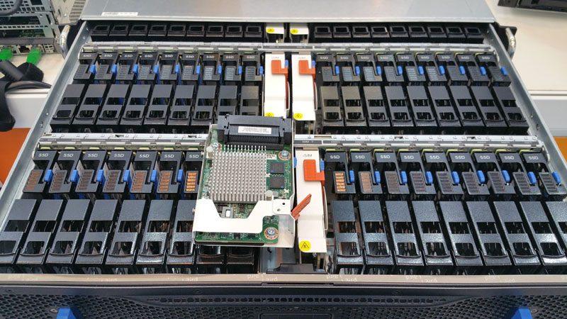QCT QuantaVault JB2720 2U 72 bay SAS Expander SSD