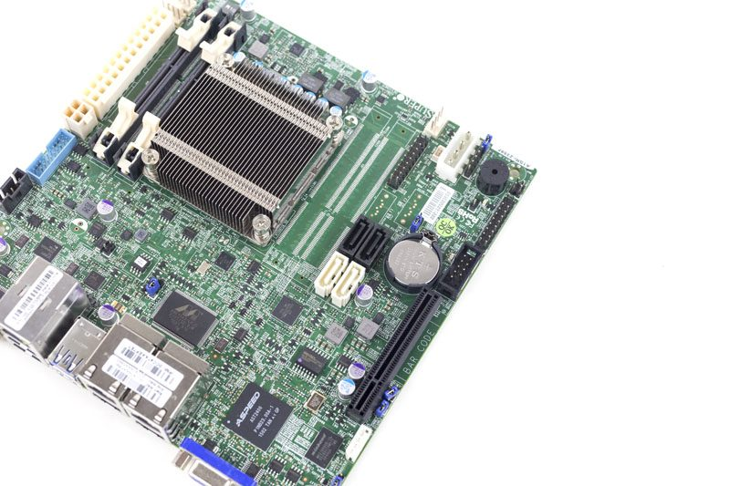 Supermicro A1SRi-2358F SODIMM and SATA