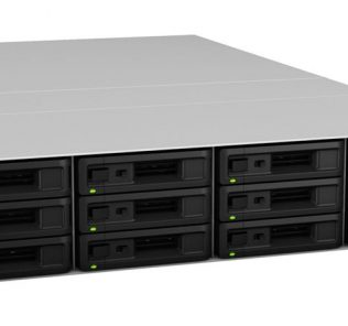 Synology RS3617RPxs Front