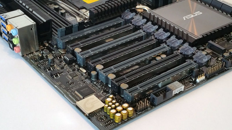 Motherboard pci express slots double slotted channel