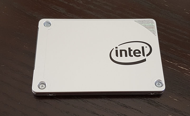 Intel DC S3100 Front