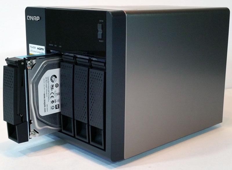 QNAP TS 453A Inserting Hard Drive