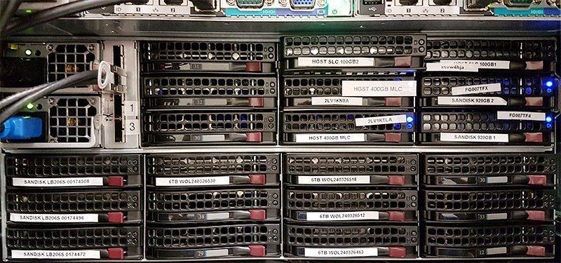 FreeNAS Disk Shelf Rear Simulating 100GB SLC SSD Failure