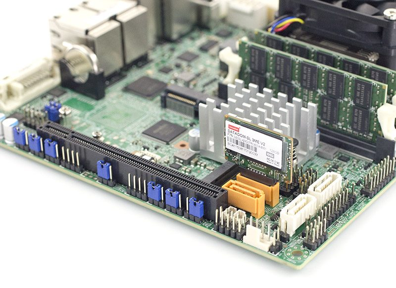 Innodisk SATADOM SL 3ME3 V2 128GB In Supermicro Gold Powered Port
