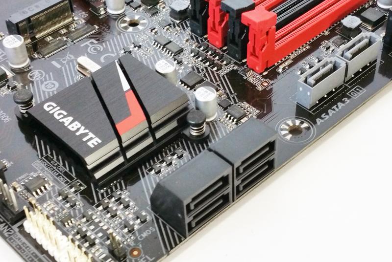 Gigabyte AB350M Gaming 3 Storage Ports