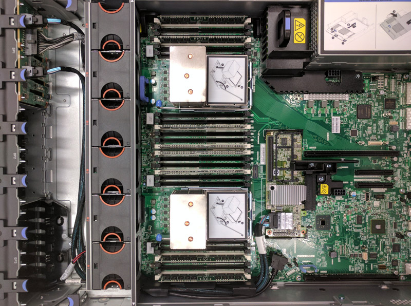 Lenovo X3650 M5 Internal View
