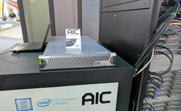 E8 Storage Demo With Intel AIC Mellanox At Computex 2017 Front