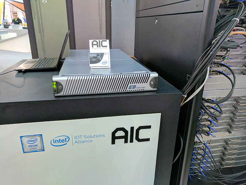 E8 Storage Demo With Intel AIC Mellanox At Computex 2017 Front