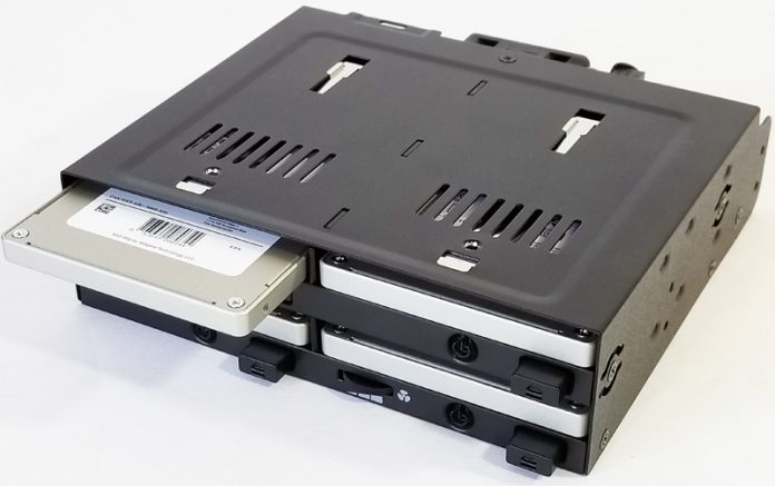 IcyDock FlexiDock MB524SP B With SSDs Installed